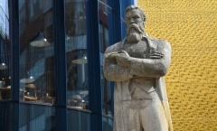 Friedrich Engels returns to Manchester by Gill Hitchcock